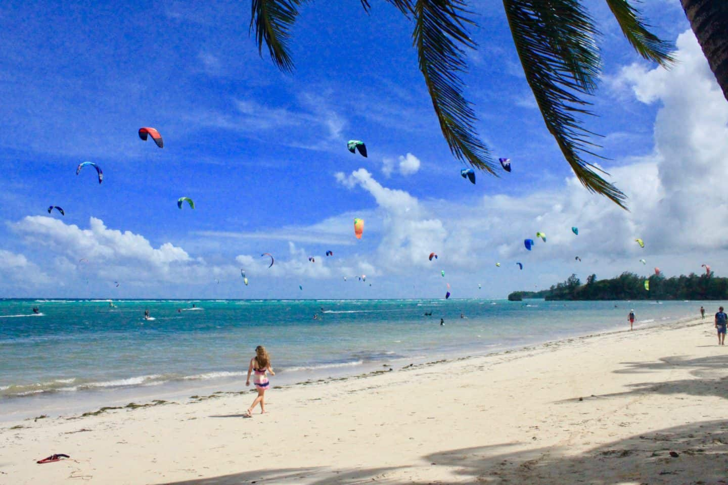 Watching the kitesurfers in Boracay