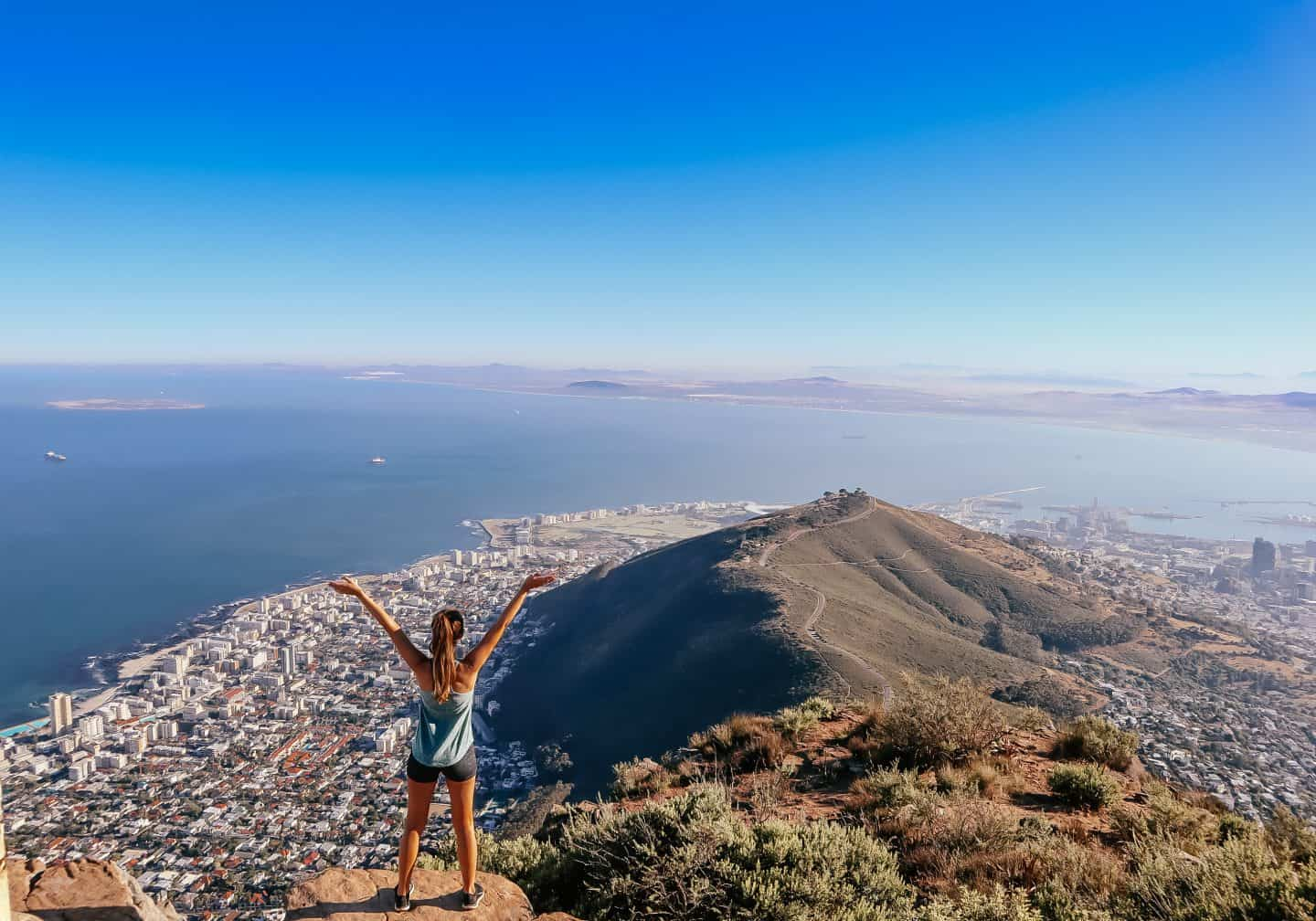 climbing lions head in cape town