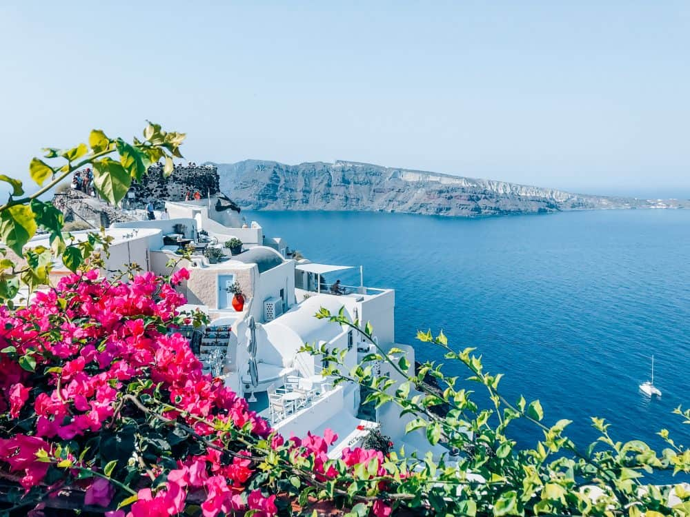 visiting Santorini on a budget