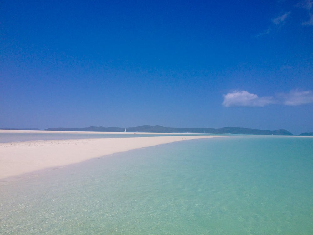 The stunning white sands of Whitehaven Beach in the Whitsundays