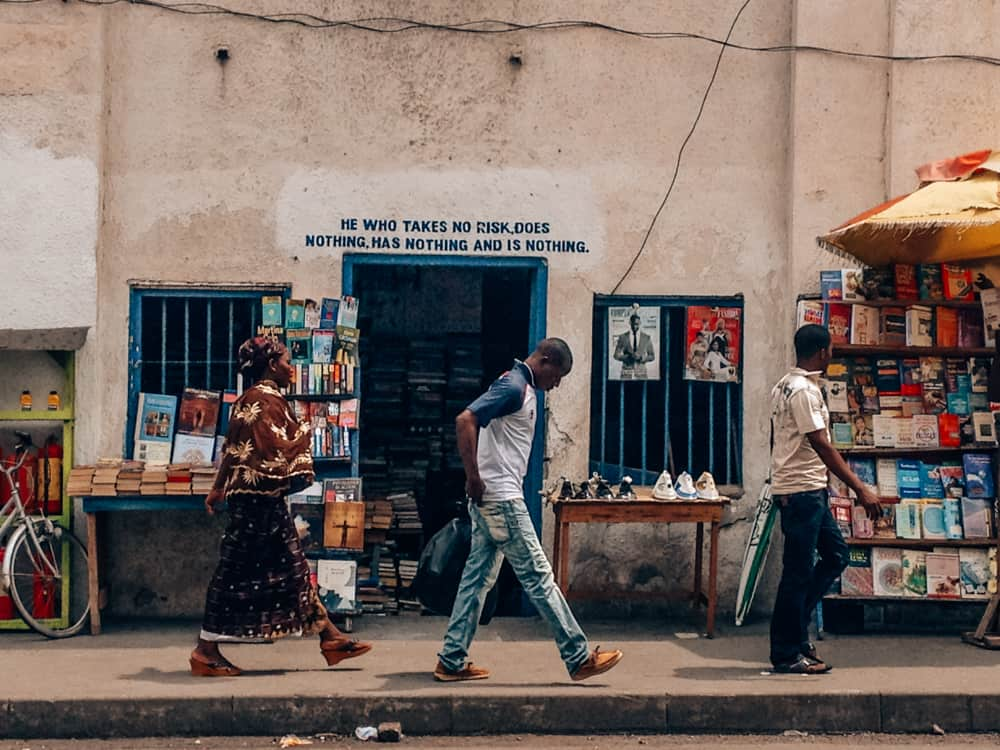 Customs and etiquette in Ghana