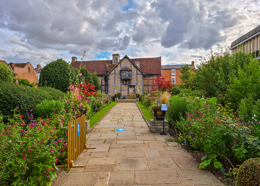 The charming gardens of William Shakespeare's house