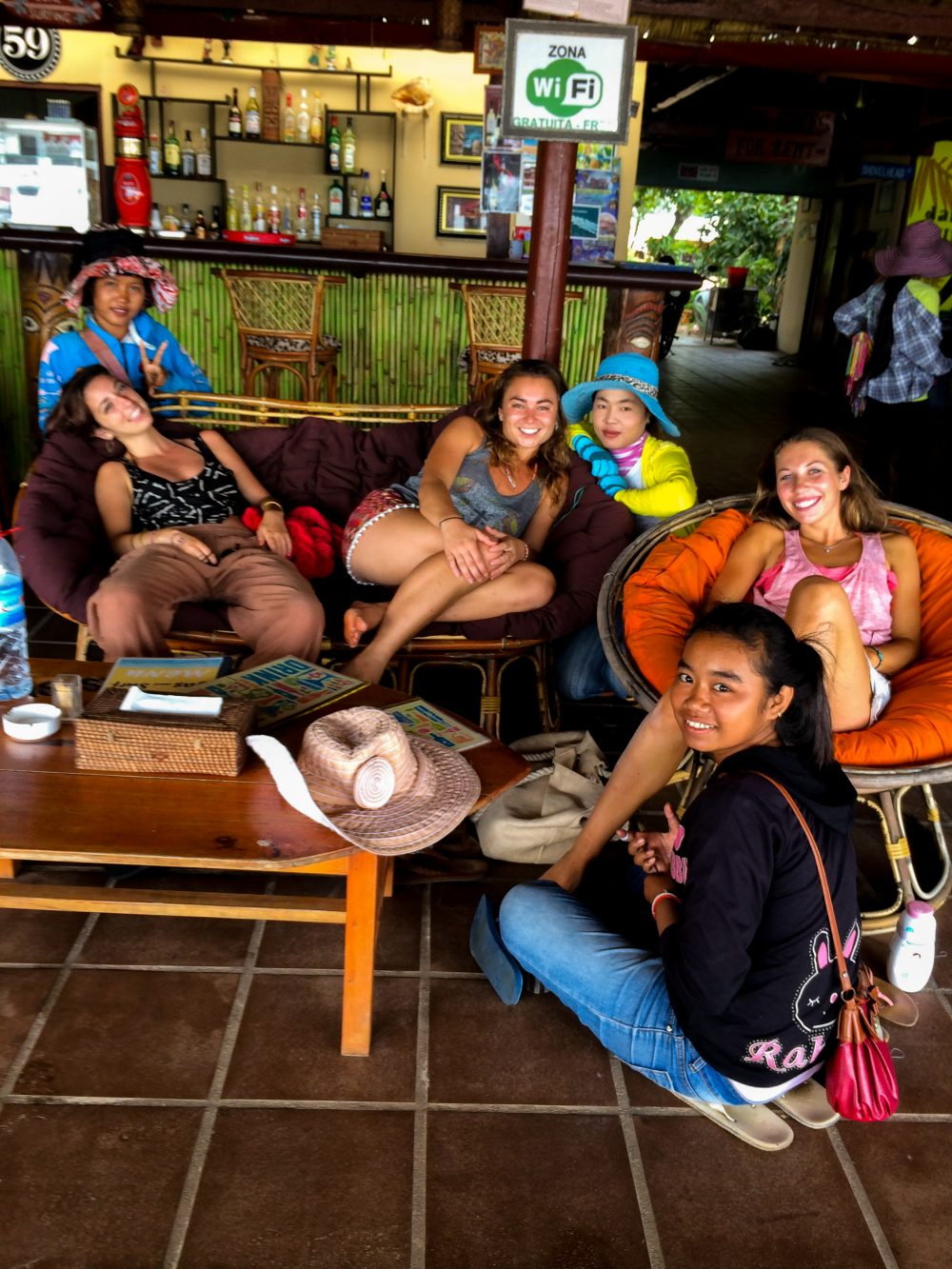Making friends with local girls in Sihanoukville