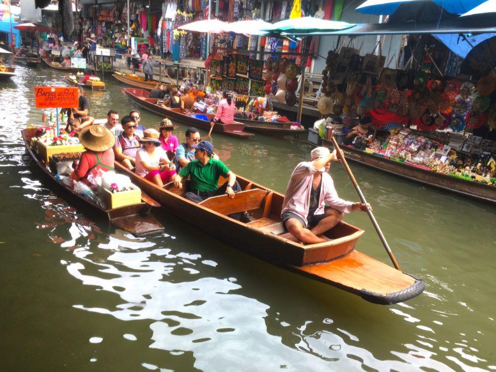 Damnoen Saduak Market floating market near Bangkok